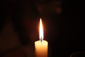 candle-2062861_1920